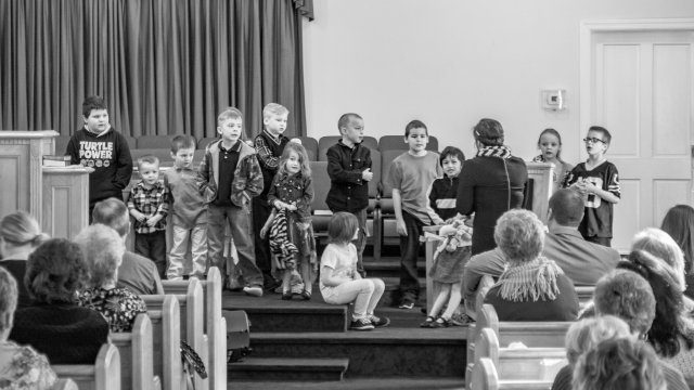sunday morning kids singing